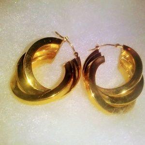Vintage 10k GF Earrings.. Triple Hoops..